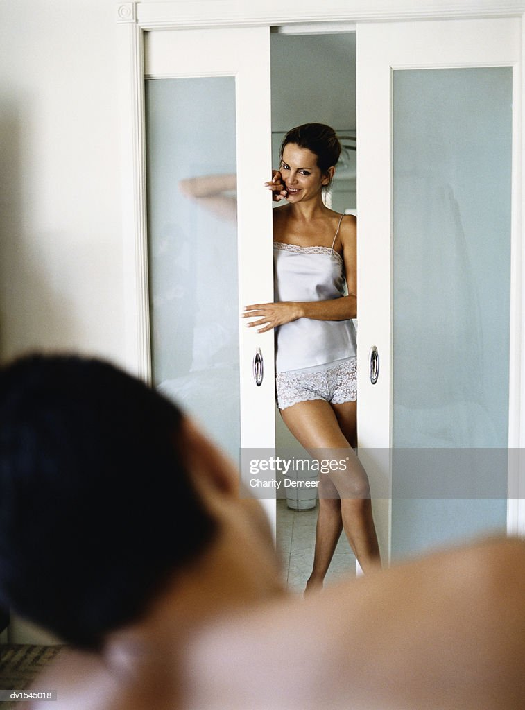 Without Dress Women In Bathroom With Men 107