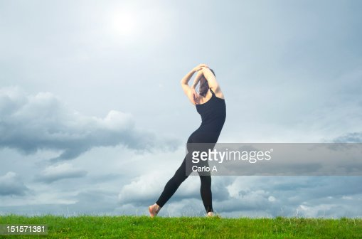 Woman stretching : Bildbanksbilder