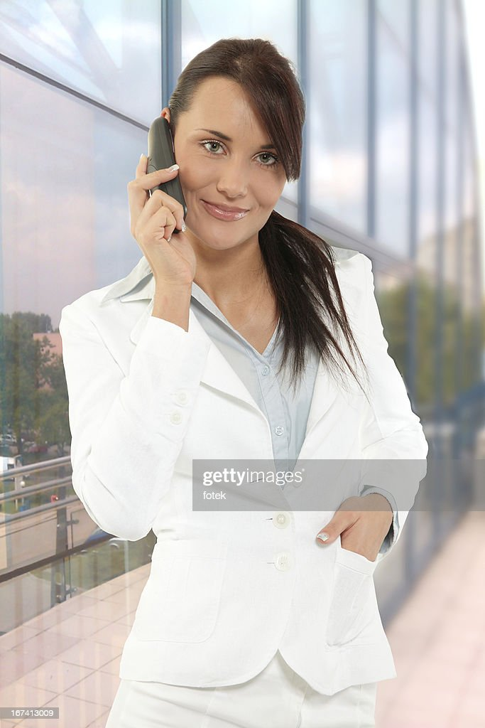 Woman talking on the phone : Stockfoto