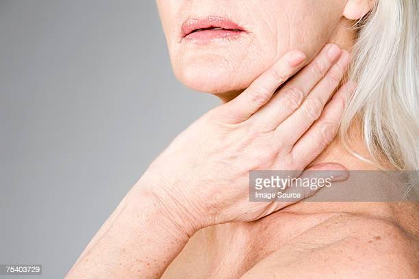 接触女性彼女の首