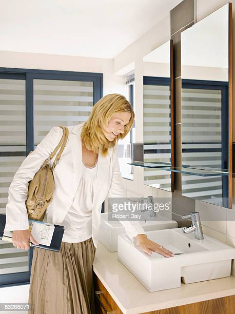 Woman 表示シンクデザインでショールーム