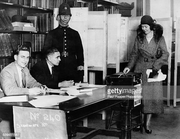 A woman voting at the Streatham polling station in London during the General Election 27th October 1931