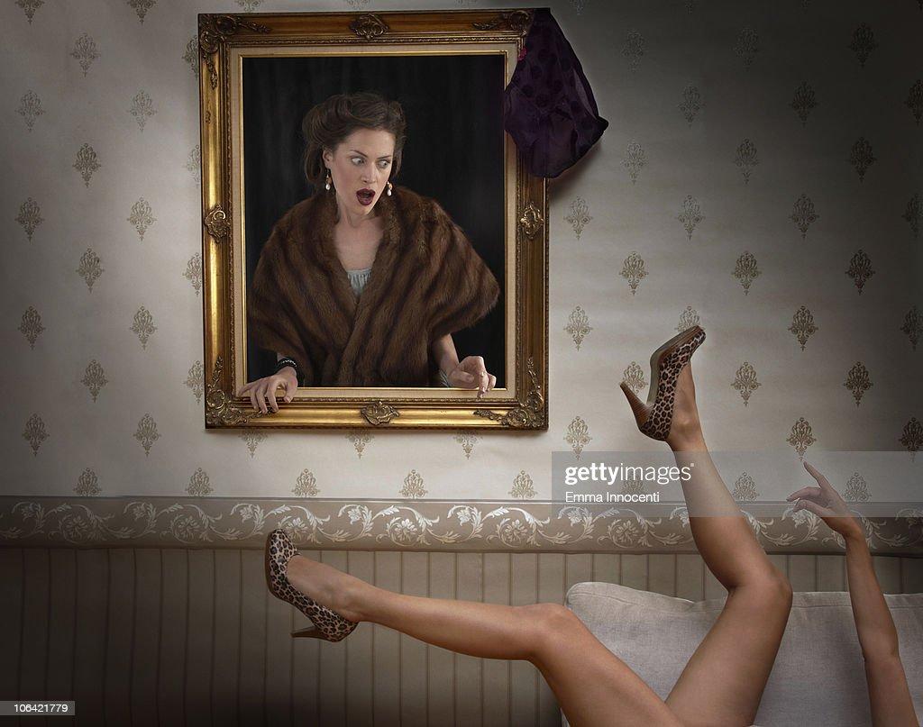 woman, wall frame, looking at, naked : Stock Photo