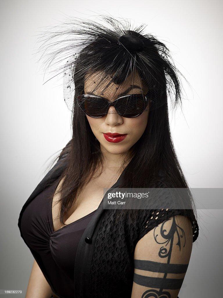 Woman wearing glasses : Stock Photo