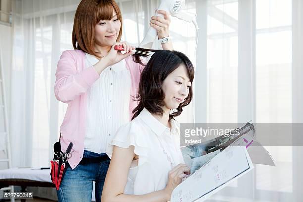 A woman who sets hair