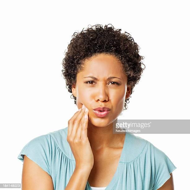 Frau mit einem Zahnschmerz-isoliert