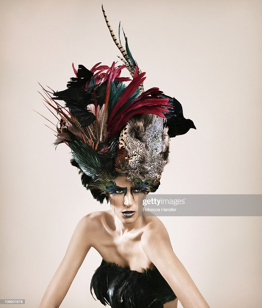 Woman with Feather Hat : Stockfoto