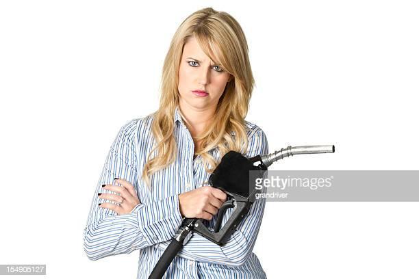 Frau mit Benzin Einstellungen, Arme Gefaltet