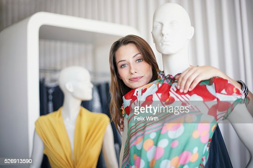 Woman with mannequin : Stockfoto