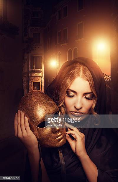 woman with mask in Venice