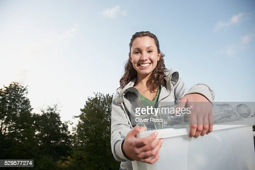 Woman with Recycling Bin : Stockfoto