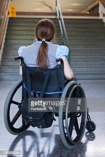 femme avec spina bifida en difficult 233 d 233 tudier en fauteuil