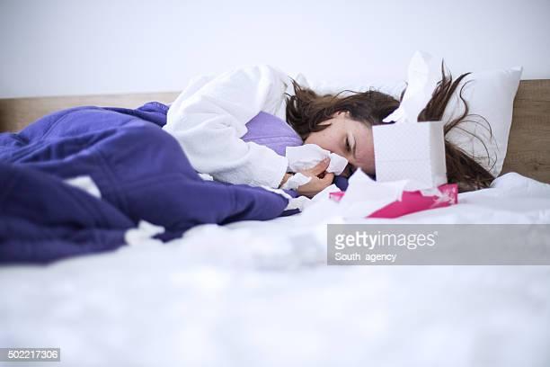 Donna con l'influenza