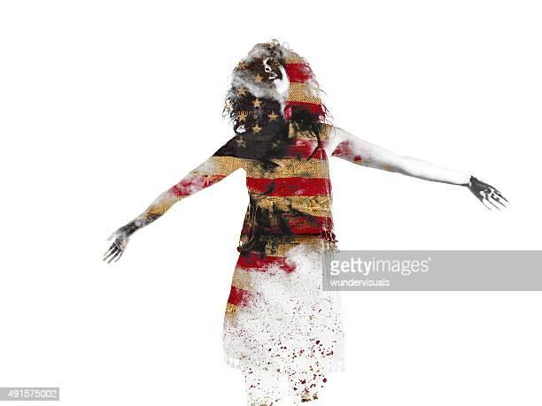 Frau im Formular ausgefüllt mit amerikanischer Flagge