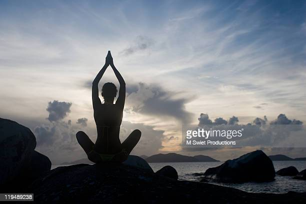 Woman-silhouette-yoga