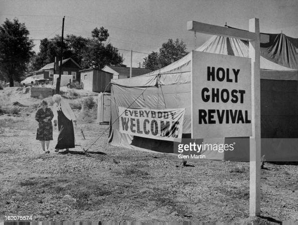 NOV 5 1980 Women Are Crusaders De Loris Arnold left and velma Thompson are shown at their revival tent in north Denver
