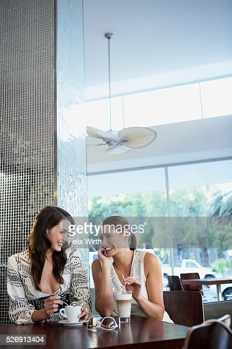 Women at coffee shop : Foto stock