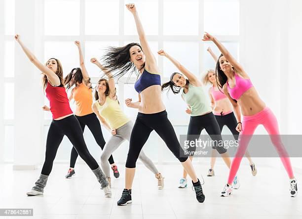 Femmes danse.