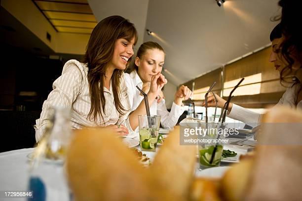 Femmes à manger