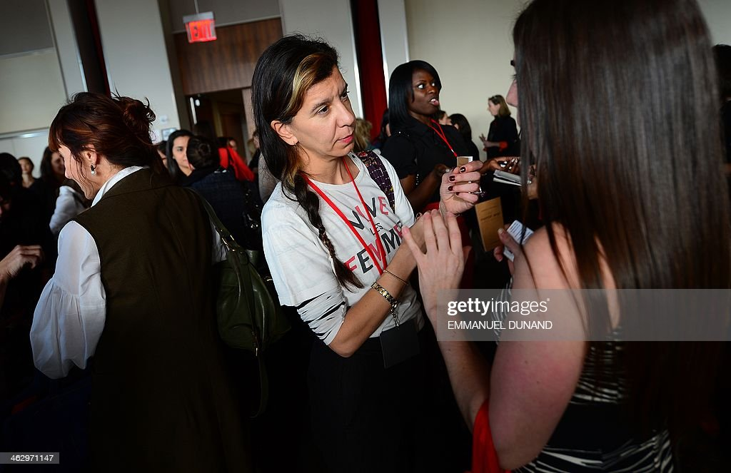 Women entrepreneurs take part in three-minute, one-on-one, business speed dating meetings during the fourth Women Entrepreneurs Festival in New York, January 15, 2014. Women entrepreneurs took 0part in the speed-dating-format business meeting in order to make new connections and expand their professional network. AFP PHOTO/Emmanuel Dunand