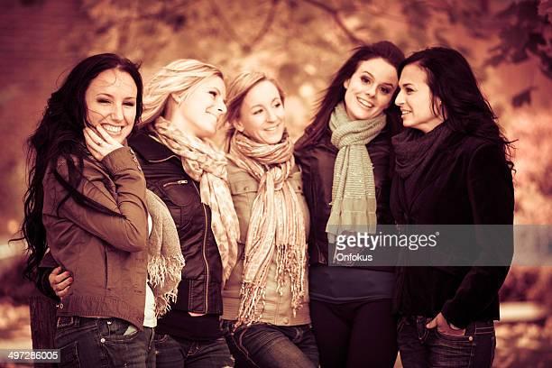 Frauen Freunde Spaß im Freien