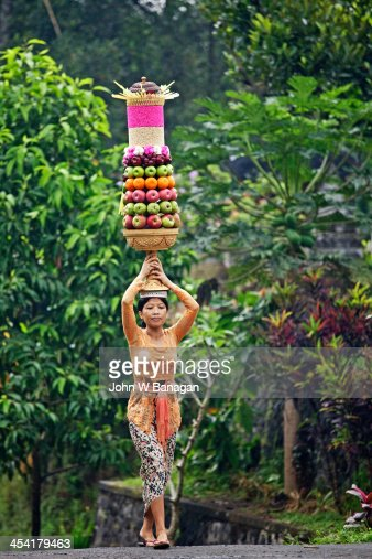 Women going to a Temple, Ubud District, Bali : Stock Photo