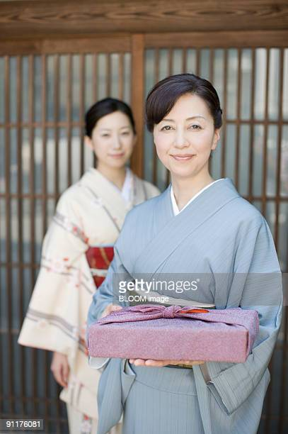 Women in kimono, focus on foreground