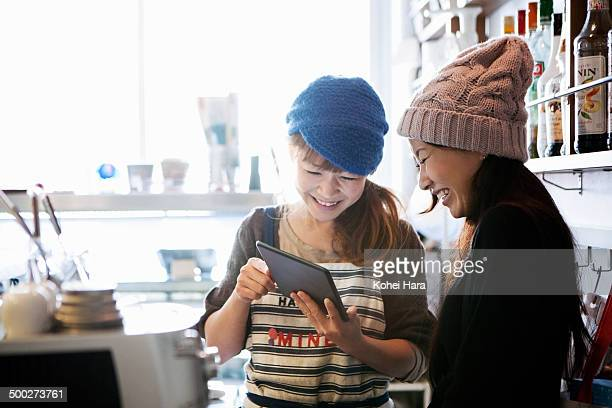 women working at cafe