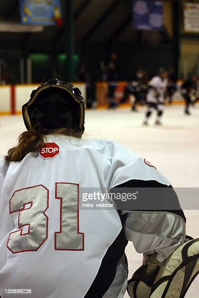Women_goalie