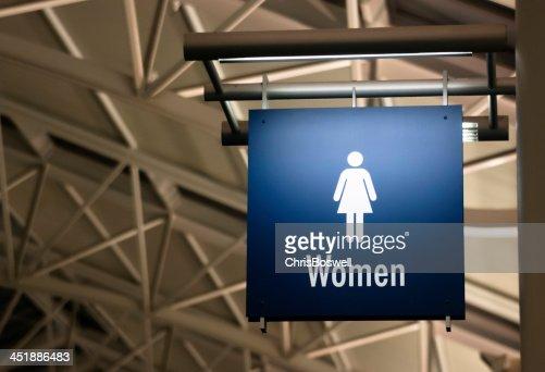 Donna bagno onorevoli toilette segno edificio pubblico archictecture marker foto stock getty - Sesso in bagno pubblico ...