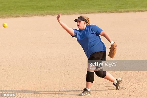 女子ソフトボールピッチャー