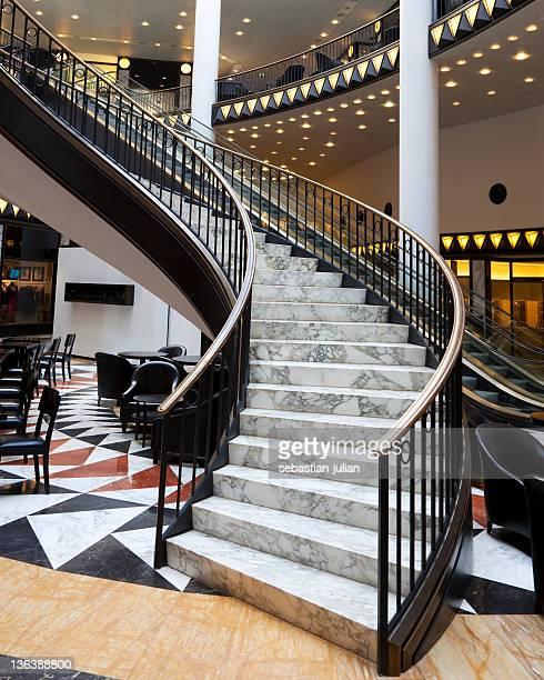 Magnifique escalier élégant