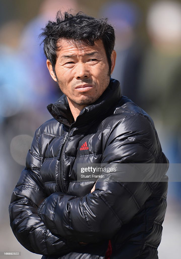 Wong Jung, father of Heung Min Son of Hamburg watches during a training session of Hamburger SV on April 18, 2013 in Hamburg, Germany.