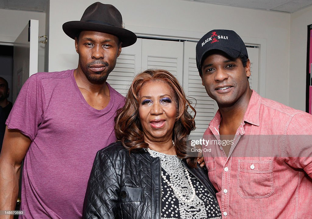 Wood Harris, <a gi-track='captionPersonalityLinkClicked' href=/galleries/search?phrase=Aretha+Franklin&family=editorial&specificpeople=210665 ng-click='$event.stopPropagation()'>Aretha Franklin</a> and <a gi-track='captionPersonalityLinkClicked' href=/galleries/search?phrase=Blair+Underwood&family=editorial&specificpeople=215367 ng-click='$event.stopPropagation()'>Blair Underwood</a> pose backstage prior to a performance of 'A Streetcar Named Desire' at The Broadhurst Theatre on June 1, 2012 in New York City.