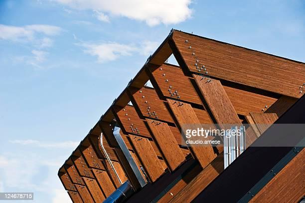 Struttura di legno con Sky. Immagine a colori