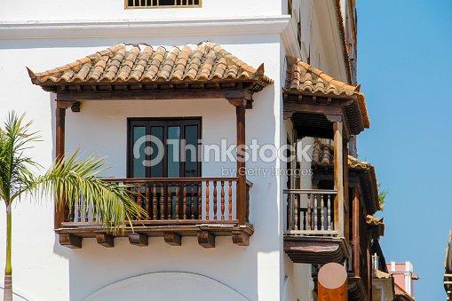 Balcones de madera foto de stock thinkstock - Balcones de madera ...