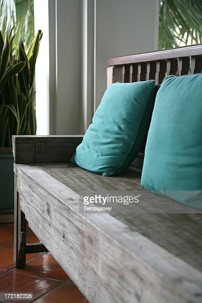 Panca in legno con cuscino sedile
