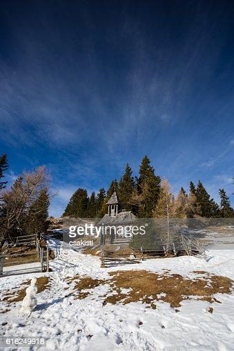 wooden chapel forest : Foto de stock