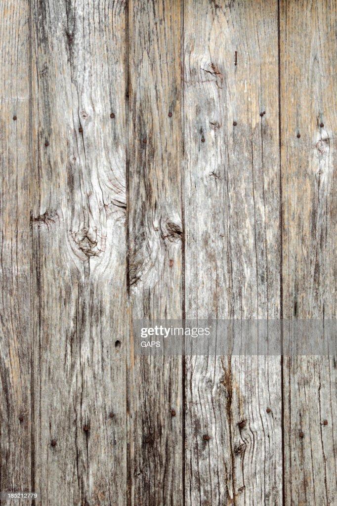 Porte en bois d'une ancienne grange : Photo
