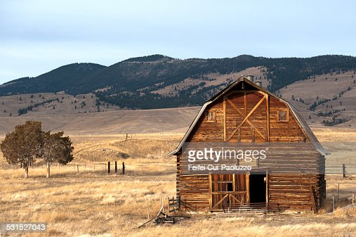 Wooden hut in the countryside of missoula montana usa Usa countryside pictures
