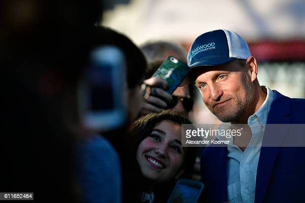 Woody Harrelson greets fans as he attends the 'LBJ' premiere during the 12th Zurich Film Festival on September 30 2016 in Zurich Switzerland The...