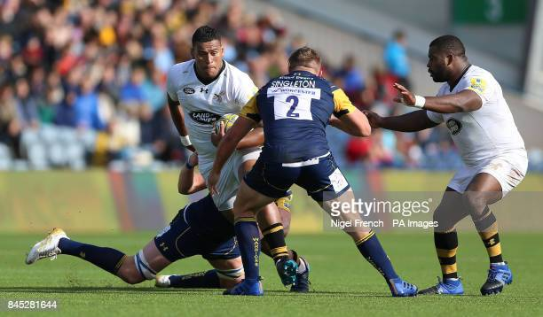 Worcester Warriors' Jack Singleton tackles Wasps' Nathan Hughes during the Aviva Premiership match at the Sixways Stadium Worcester