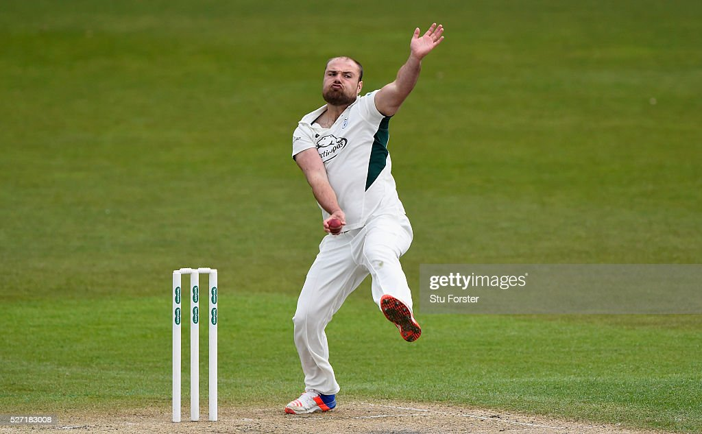 Worcestershire bowler <a gi-track='captionPersonalityLinkClicked' href=/galleries/search?phrase=Joe+Leach&family=editorial&specificpeople=9697827 ng-click='$event.stopPropagation()'>Joe Leach</a> in action during day two of the Specsavers County Championship Division Two match between Worcestershire and Essex at New Road on May 2, 2016 in Worcester, England.
