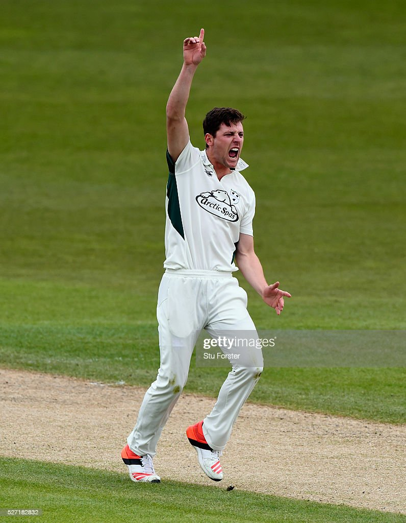 Worcestershire bowler <a gi-track='captionPersonalityLinkClicked' href=/galleries/search?phrase=Matt+Henry+-+Cricket+Player&family=editorial&specificpeople=14230010 ng-click='$event.stopPropagation()'>Matt Henry</a> appeals in vain during day two of the Specsavers County Championship Division Two match between Worcestershire and Essex at New Road on May 2, 2016 in Worcester, England.