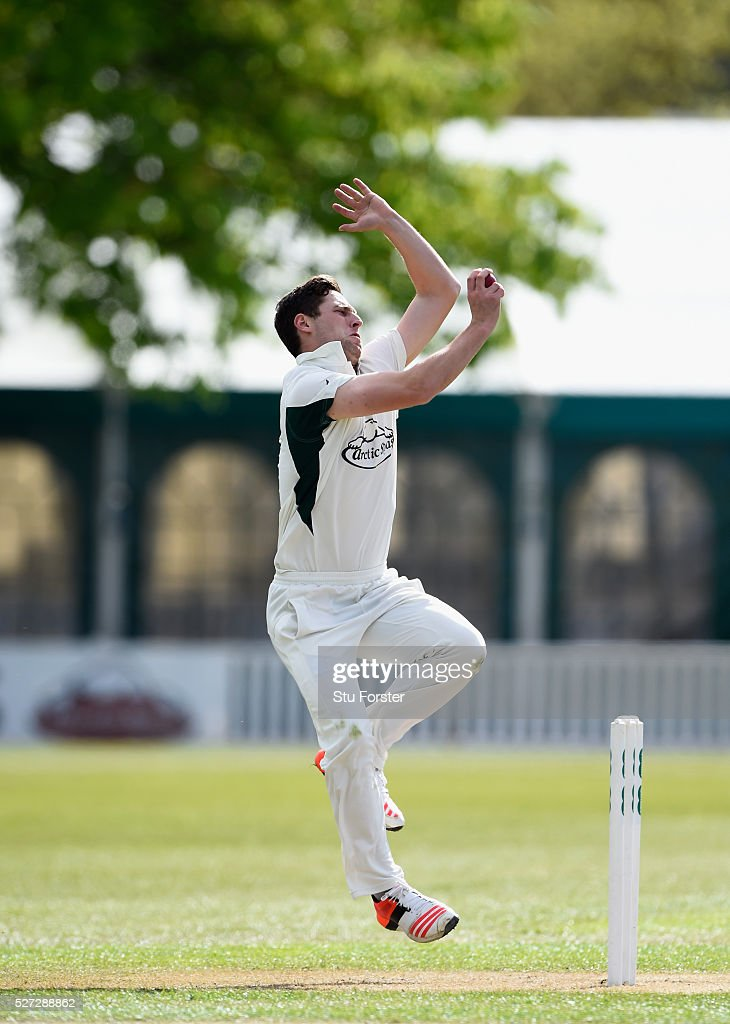 Worcestershire bowler Matt Henry in action during day two of the Specsavers County Championship Division Two match between Worcestershire and Essex at New Road on May 2, 2016 in Worcester, England.
