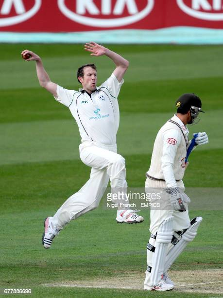 Worcestershire's Alan Richardson during his bowling run up