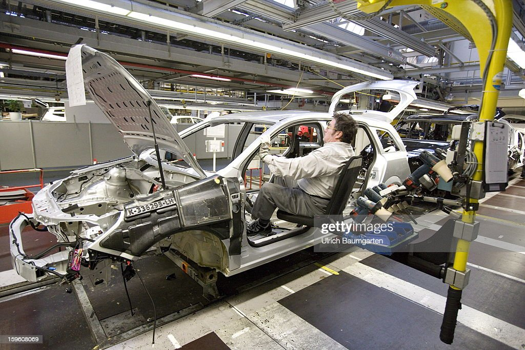 Worker assemble an Opel Astra car at the Astra and Zafira assembly line at the Opel factory on January 16, 2013 in Bochum, Germany. Its Adam Opel unit will cease auto production at Bochum in 2016. The closure, initially announced in June 2012, is part of GM's efforts to resume profitability in Europe by the middle of the decade.