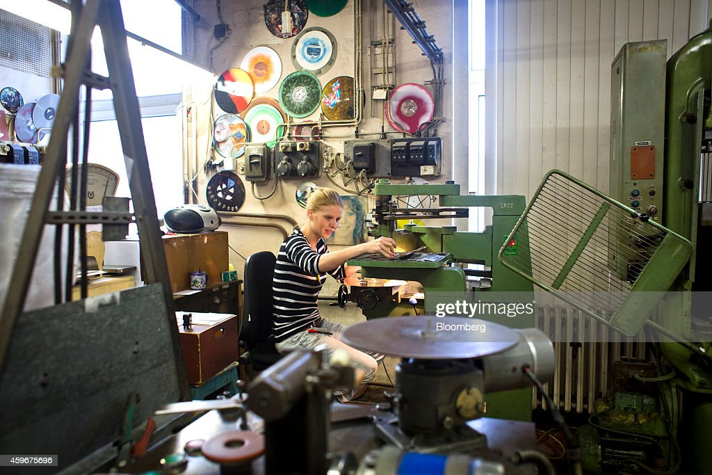 Sales Rise On Vinyl Records Photos And Images Getty Images