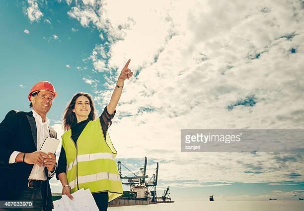 Arbeiter in gewerbliche Transporte dock