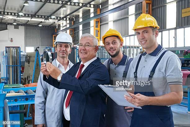 Arbeitnehmer, die Produkte